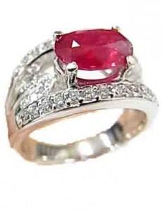 ルビー(非加熱)付きプラチナ指輪