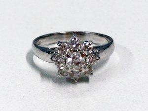 プラチナ素材のダイヤ付きリングの高価買取