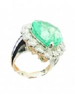 エメラルドとダイヤ付き指輪