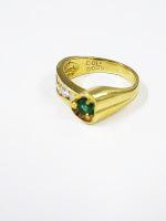 エメラルド付き18金指輪
