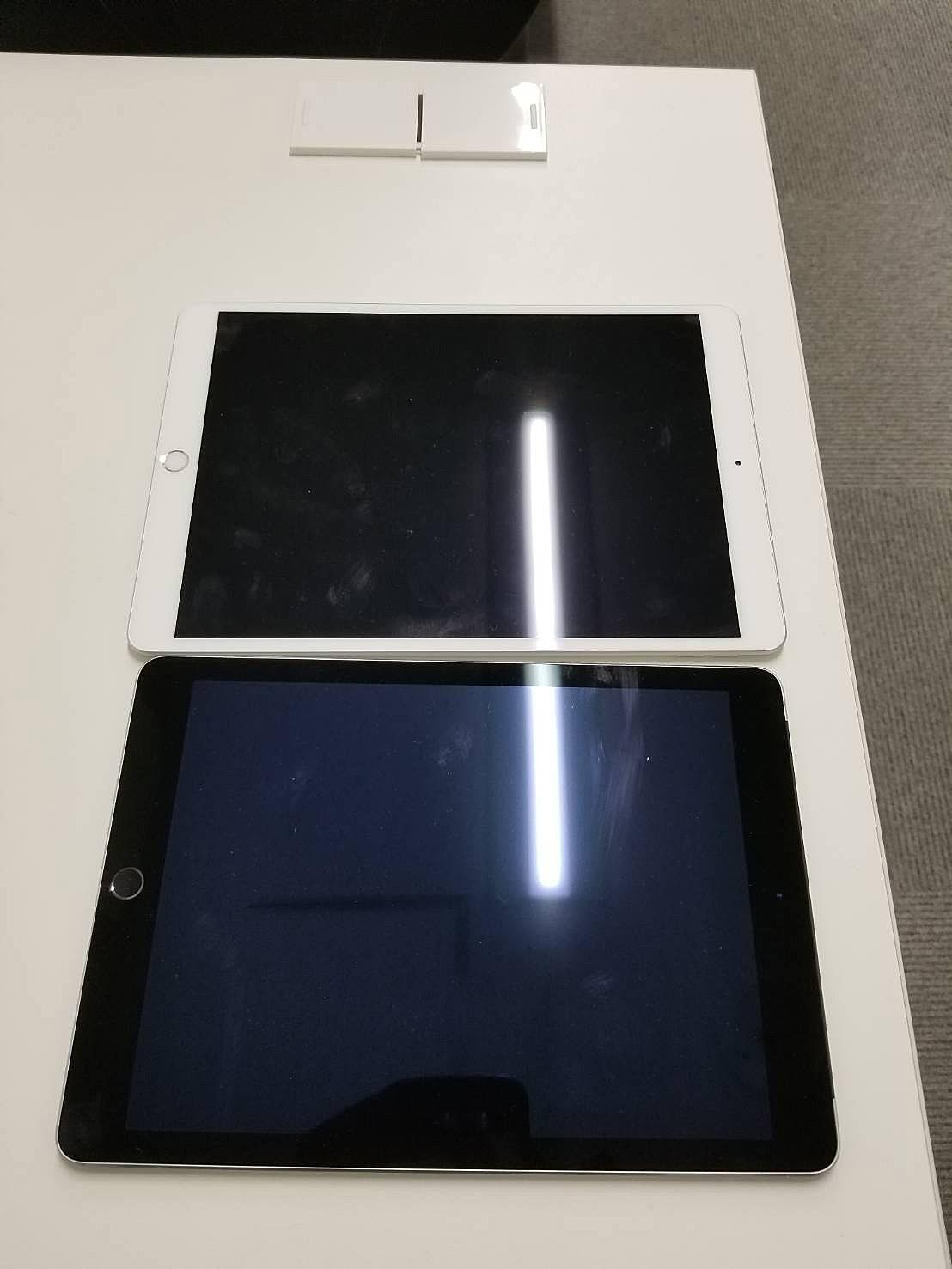 iPad 社外品パーツとの見比べ