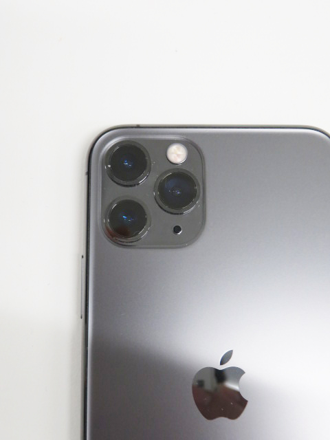 買取したiphone11 Pro 255GBのスマートフォンのカメラ