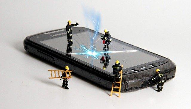 iPhone、スマートフォンを修理